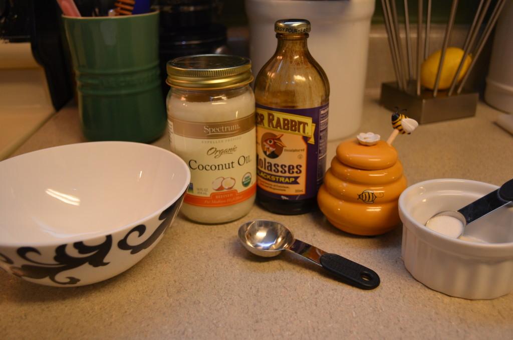 lip scrub, diy lip scub, coconut oil, honey, sugar, how to make a lip scrub, how to have soft lips