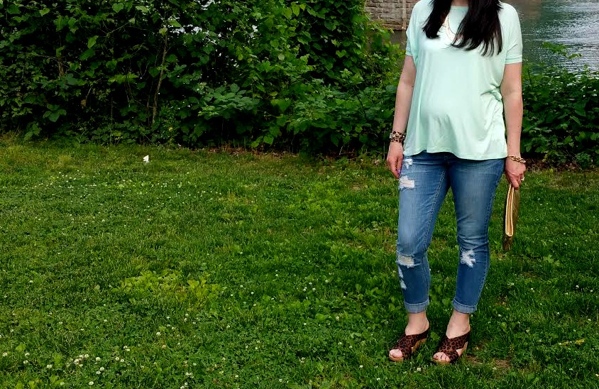 piko top, ootd, fashion blogger, boyfriend jeans, maternity style, pregnant, pregnancy outfit