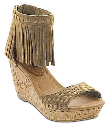 fringe, what's tending, trends, fashion blog, ffringe wedges, wedges, dillard's, west town mall