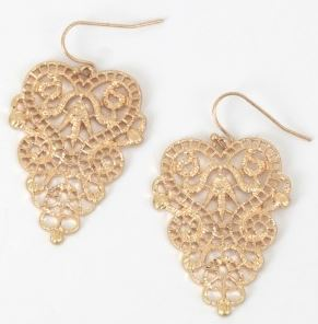 altar'd state earrings, atltar'd state, earrings for a heart shaped face, earrings for your face shape, knoxville fashion blog