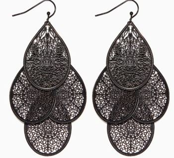 charming charlies, charming charlie earrings, chandelier earrings, earrings for your face shape, earrings for a round face, west town mall