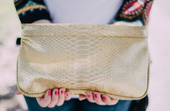 handbags, how to update your look, accessories for any age, knoxville fashion blogger, knoxville beauty blogger, gold purse