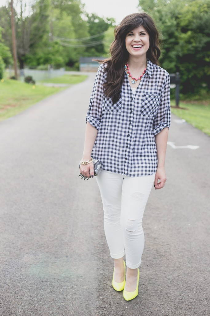 white jeans, fashion blogger, knoxville fashion blogger, knoxville, elizabeth ogle, west town mall, west town mall style consultant, ootd, spring outfit, summer outfit