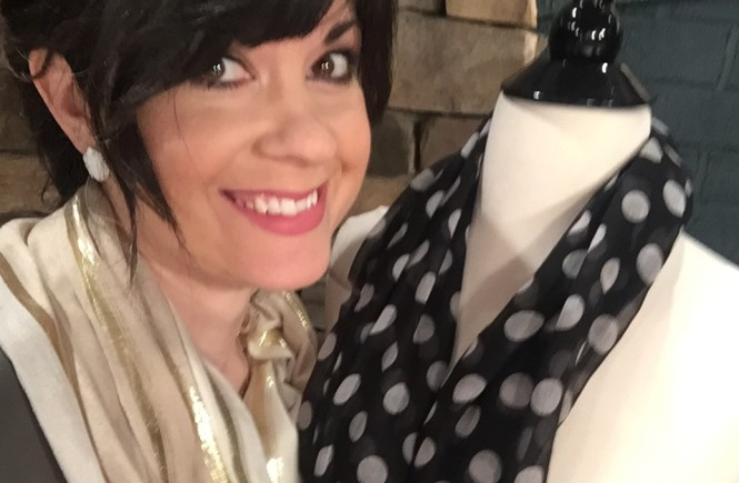 How to wear your scarf different ways, different ways to tie your scarf, knoxville fashion blogger, knoxville beauty blogger, elizabeth ogle, style consultant, knoxville style, knoxville style consultant