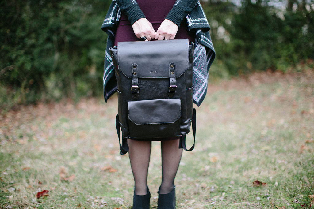 knoxville families magazine, mom bag, mom blog, knoxville fashion, mom fashion, mom fashion blog, adult backpack, black backpack, backpack review, mom backpack, cool mom backpack, cool backpack, east tn style, knoxville style