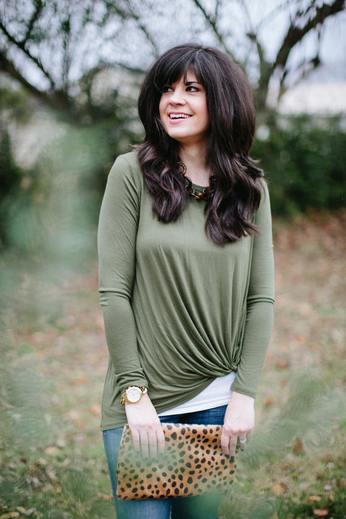 fashion blogger, fashion blog, ootd, gray monroe, clutch, knotted tee, casual outfit, mom life, mom blog, style consultant, knoxville, knoxville fashion, knoxville fashion blog, elizabeth ogle, funny fashion blog, style blog, knoxville style blog, what to wear with jeans