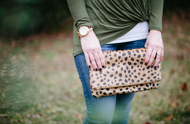 fashion blogger, fashion blog, ootd, gray monroe, clutch, knotted tee, casual outfit, mom life, mom blog, style consultant, knoxville, knoxville fashion, knoxville fashion blog, elizabeth ogle, funny fashion blog, style blog, knoxville style blog, what to wear with jeans, animal print clutch, michael kors watch