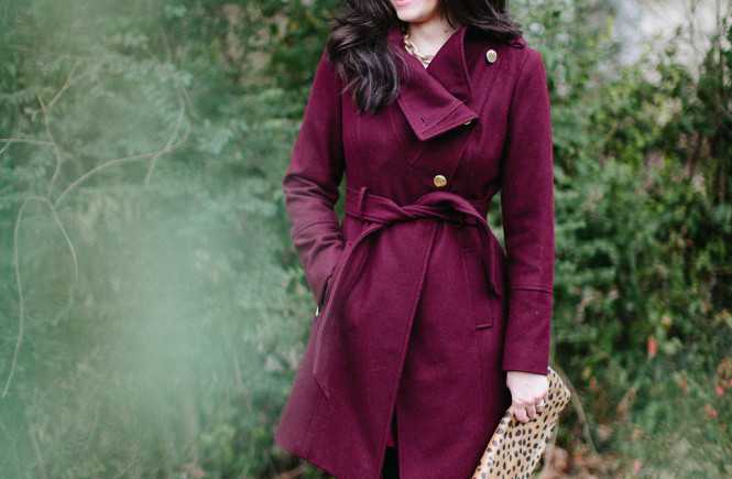 coat, burgundy coat, guess coat, great coat, knoxville fashion, west town mall, west town mall coat, how to find a great coat, where to find a great coat, fashion blog, knoxville families magazine, mom blog, mom fashion, great coat for moms, west town mall style consultant, elizabeth ogle