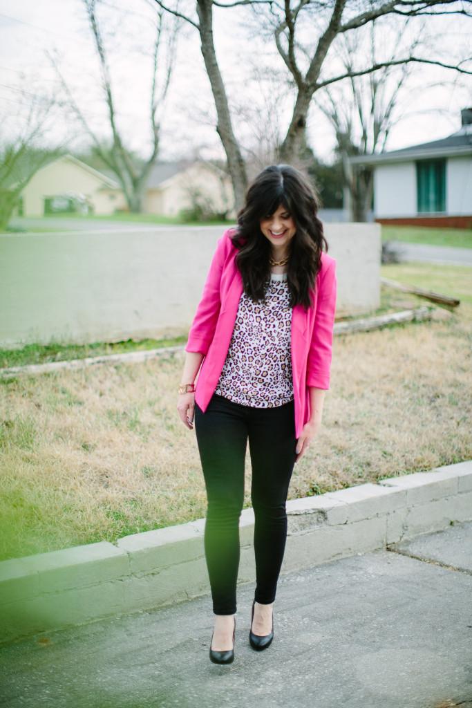 west town mall, pink blazer, how to wear a blazer and jeans, blazer and jeans, knoxville fashion, elizabeth ogle, mom outfit, what to wear with a pink jacket, what to wear with black jeans, how to wear a blazer, ootd