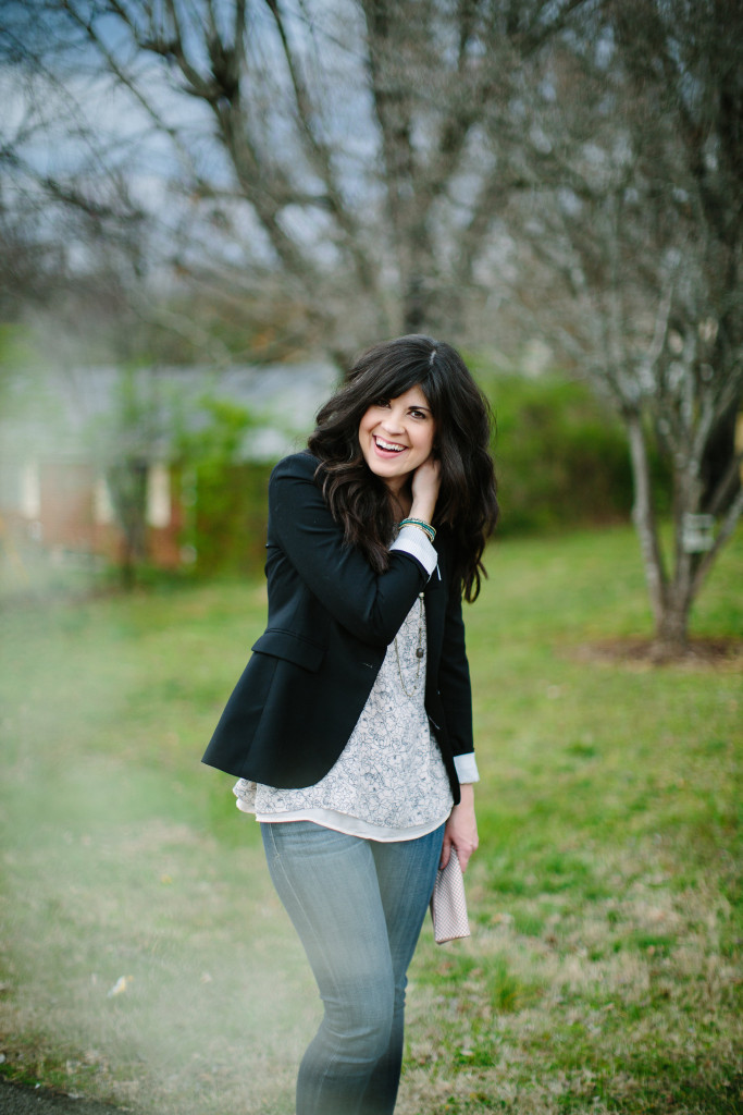 blazer and jeans, what to wear with a black blazer, how to wear a blazer and jeans, style blog, knoxville fashion, mom blog, mom life, how to style a blazer, west town mall