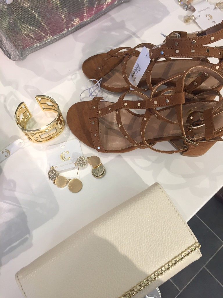 charming charlie, west town mall, 10 news this morning, beauty blogger, wbir beauty blogger, elizabeth ogle, how to accessorize a dress, easter dress, how to accessorize