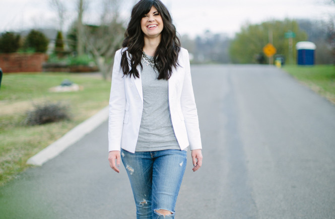 easy style, white blazer, how to style a white blazer, distressed jeans, pink heels, how to style a blazer and jeans, ootd, west town mall, knoxville fashion, what to wear with a white blazer, statement necklace and jeans, what to wear this weekend