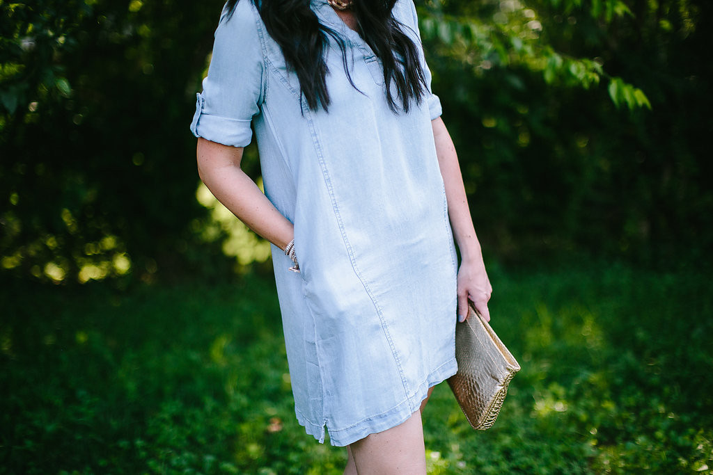 bluetique, market square boutique, knoxville fashion, knoxville fashion blogger, tennessee fashion blogger, mom blog, tshirt dress, chambray dress, summer style, what to wear this summer