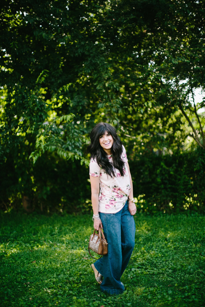 gray monroe, knotted tee, floral tee, fashion blogger, mom blog, elizabeth ogle