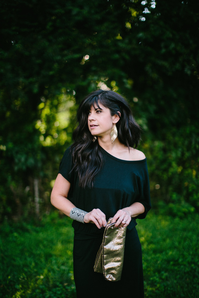 throw on dress, black jersey dress, how to style a black maxi dress, fashion blogger, what to wear on date night, what to wear this weekend, how to style a black dress, statemint style, ivy lane jewelry, elizabeth ogle