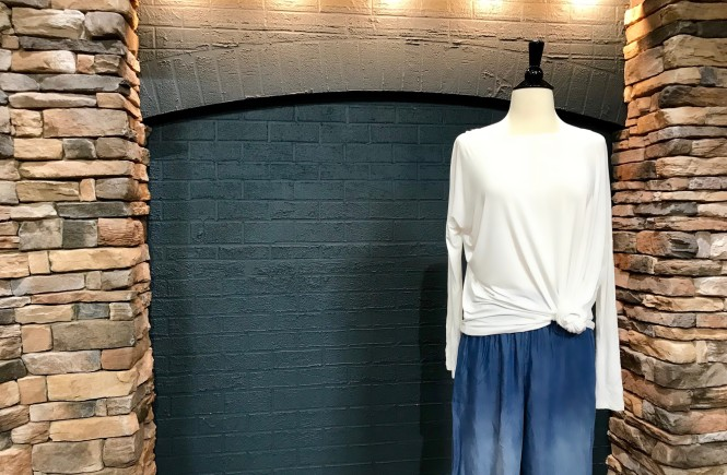 how to accessorize, charming charlie, west town mall, how to accessorize a white shirt and jeans, white shirt and jeans outfit, ootd, mom life, mom style, style help, help accessorizing