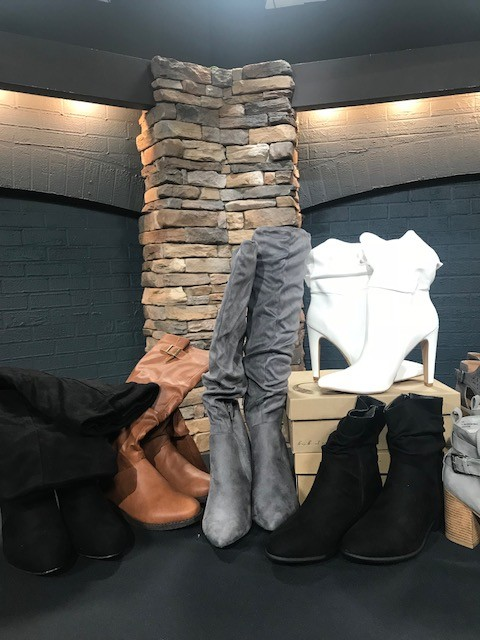 west town mall, booties for fall, how to wear booties this fall, fall fashion, knoxville fashion, boots, how to wear boots if youre petite, how to wear booties if youre petite, fiore boutique, charlotte russe, francescas, shoes for fall, what to wear this fall, fall fashion 2018, boot triends for 2018, elizabeth ogle, style consultant for west town mall