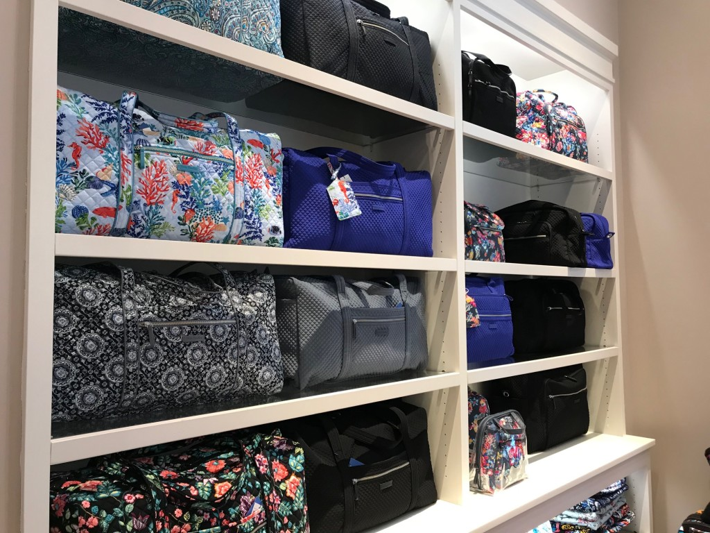 vera bradley, vera bradley travel, west town mall, vera bradley bags, vera bradley discount, knoxville shopping, west town mall shopping