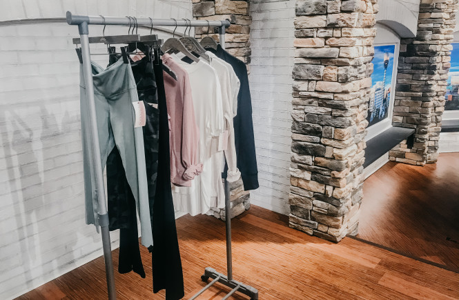 altar'd state, west town mall, athleisure, where to find athleisure in knoxville, knoxville fashion, altar'd state athleisure, altar'd state clothes, how to wear athleisure, what is athleisure