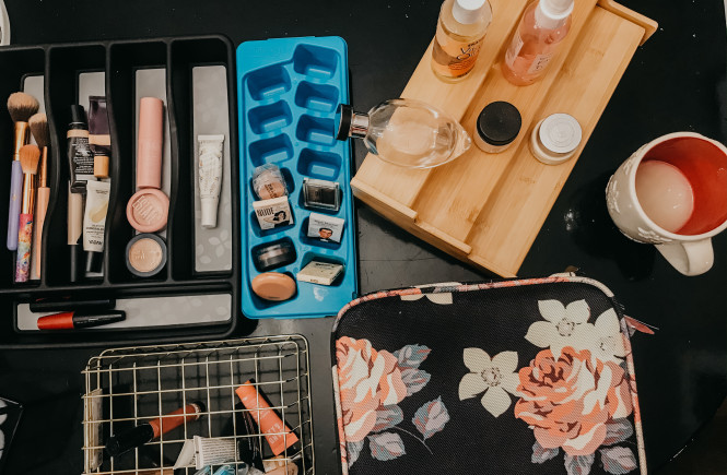 easy ways to organize beauty products, beauty product organization, walmart finds, beauty product hacks, amazon finds, travel makeup case, best travel makeup case